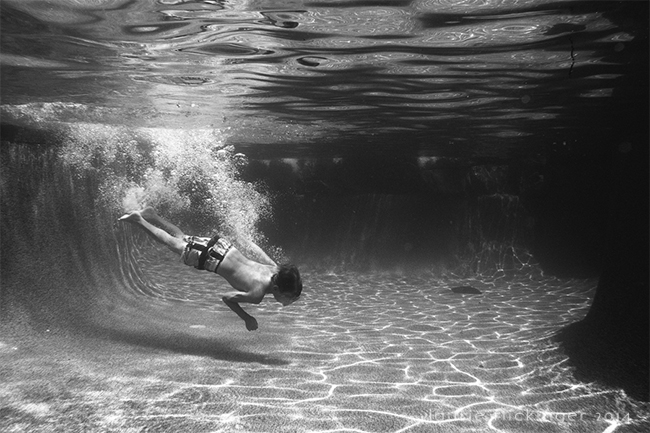 19 Pool Fun Underwater-61-Edit-2_CIUAN
