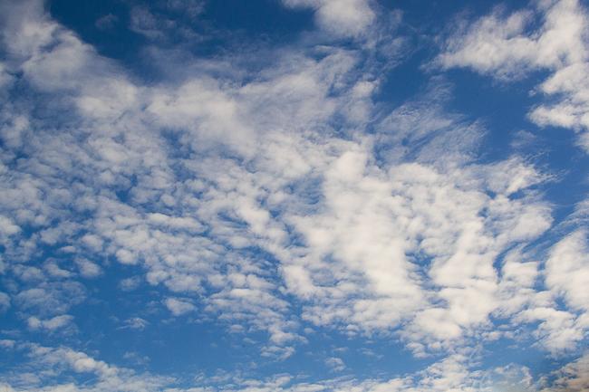 Sky overlays | Photoshop tutorial by Amanda Glisson via Click it Up a Notch