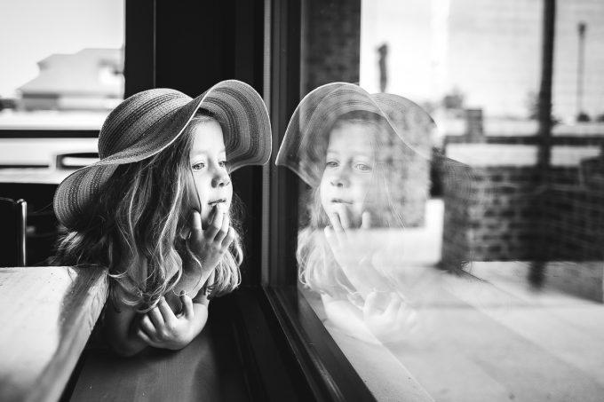 auerbach-hat-girl